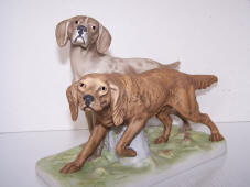 3902-two-hunting-dogs-front