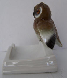 4668-trinket-owl-on-edge-of-book-side2