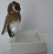 4668-trinket-owl-on-edge-of-book-side