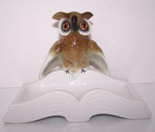 4668-trinket-owl-on-edge-of-book