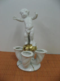 5101-candleholders-cherub-4 horns-goldball