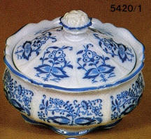 5451/1 Blue Onion Coverd Dish