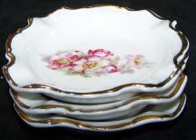 5830-ashtrays-wild-roses stack of 3