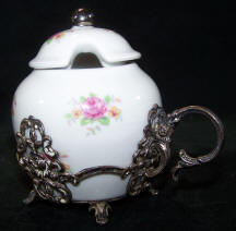 5970-kitchenware-petite-roses-sugar-caddy