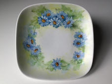 6832-1-tableware-blue-daisies-sherry-chapin