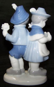 7017-couples-bavarian-pair-back view