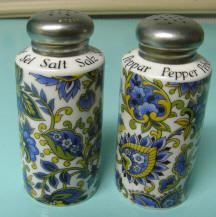 7566 Paisley  Salt & Pepper Shakers