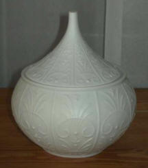 7601 Milk glass compote
