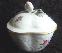 7719 Rose bud Trinket box