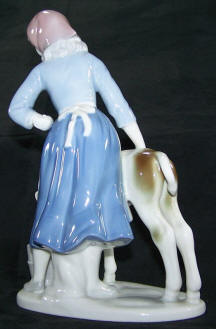 7943-females-milk-maiden back view