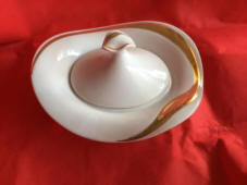 8348-Covered dish