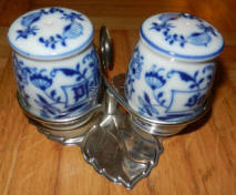 Blue Onion S&P shakers with caddy