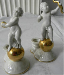 Cherubs with Golden Ring and Bow