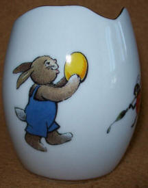 Egg cup side 1