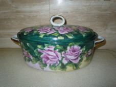 kitchenware-covered-handpainted-dish